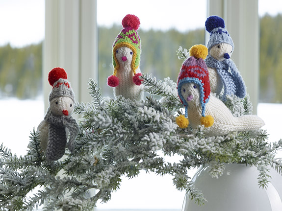 Knitted birds taught by ARNE & CARLOS