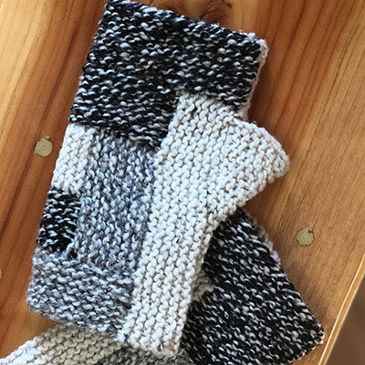 Learn how to knit a log cabin block